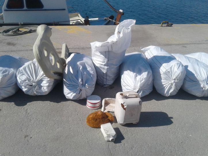 Plastic on quai